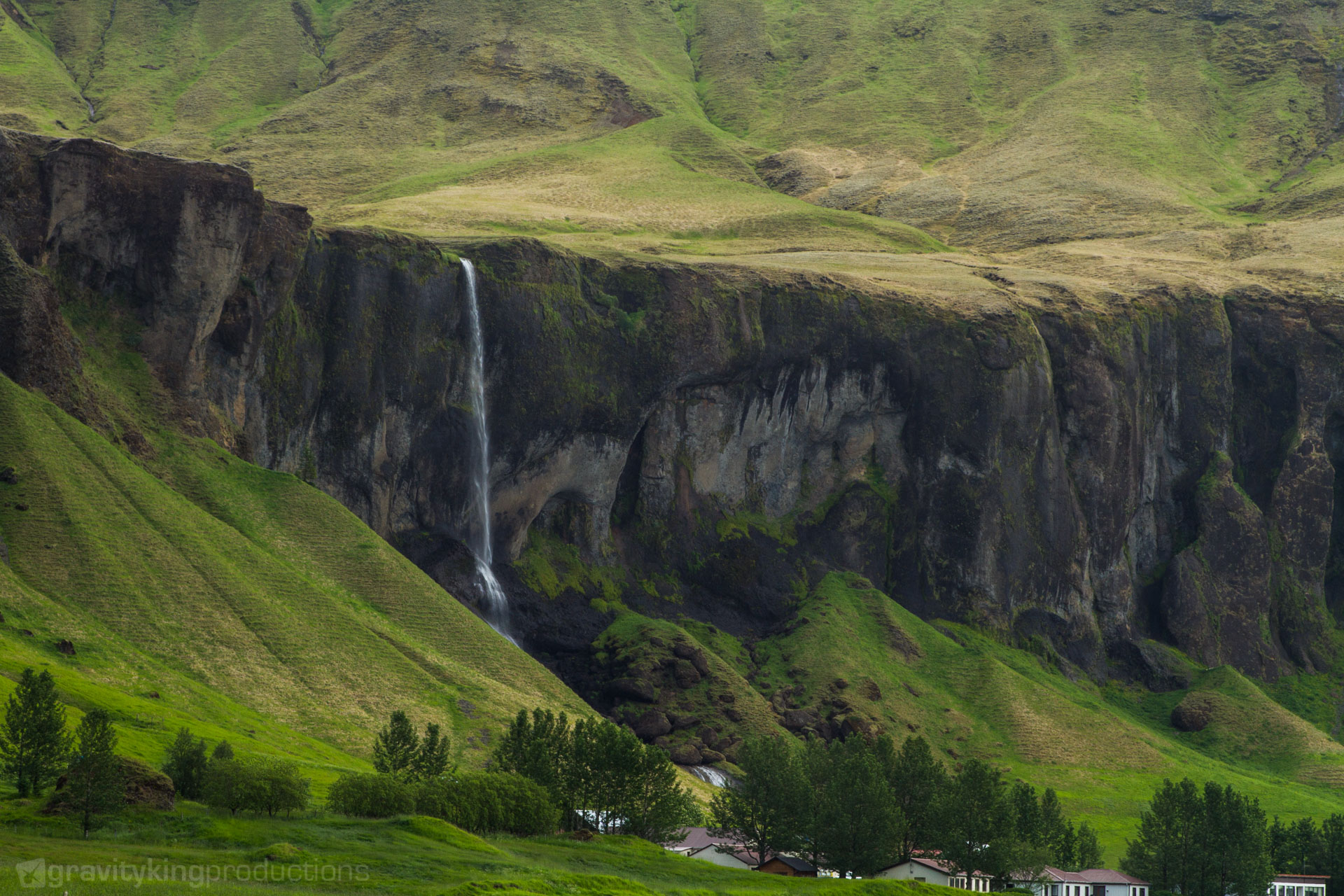 One of many beautiful wateralls in Iceland. Couldn't even find the name of this one.