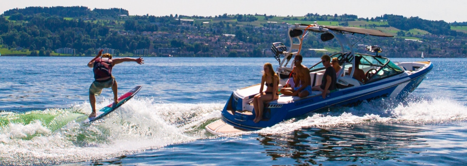 Wakesurfing Switzerland with ceccotorrenas christmas gifts surfer