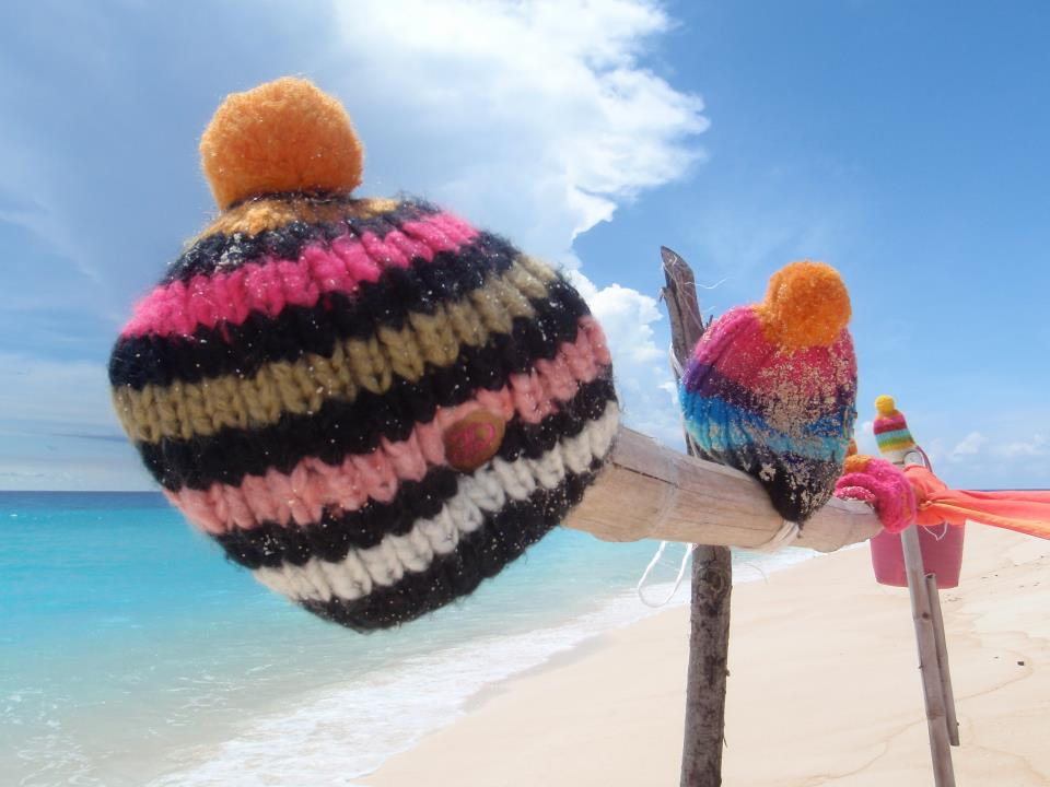 christmas gifts for your surfer girl: warm ears with Dana Beanies.
